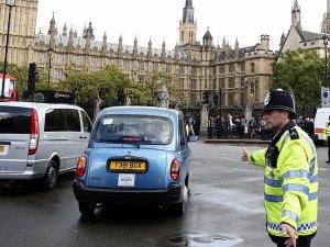 İngiltere güvenlik tedbirlerini artırdı