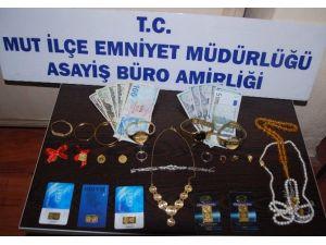 Mut'ta Telefon Dolandırıcıları Yakalandı