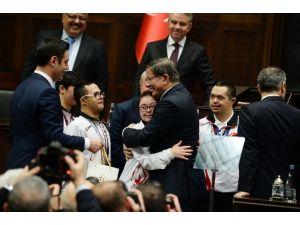 Başbakan Davutoğlu'dan Taşeron İşçilere Müjde