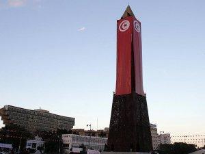 Tunus'ta olağanüstü hal 3 ay uzatıldı