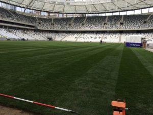 Vodafone Arena'da Hibrit Çim İşlemi Başladı