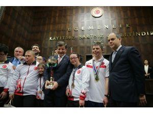 Başbakan Davutoğlu, Özel Sporcuları Kabul Etti