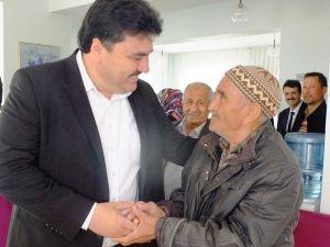 Ersoy Yaşlıları Ziyaret Etti, Hayır Dualarını Aldı