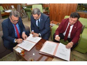 Yunusemre Belediyesinde Sosyal Denge Sözleşmesi İmzalandı