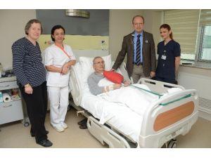 Burdurlu Emekli Öğretmen Antalya'da Sağlığına Kavuştu