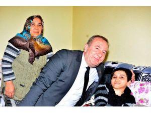 Başkan Şahiner Engelli Genci Sevindirdi