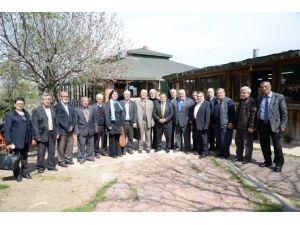 Belediye Başkanı Selim Yağcı Kahvaltıda Muhtarlarla Bir Araya Geldi