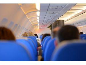"""""""Uçak Biletini Ücretsiz Yükseltme Tüyoları"""""""