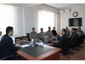 Kaymakam Özbek'dten Kurum Personellerine Başarı Belgesi