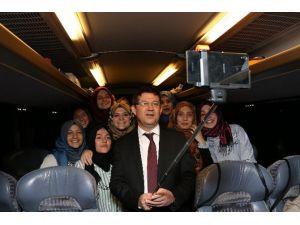 Merkezefendi Belediyesi Gençleri İstanbul'a Götürüyor