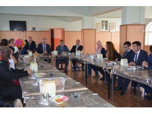 Yozgat Milli Eğitim Müdürü Saim Kuş, Aday Öğretmenler İle Bir Araya Geldi