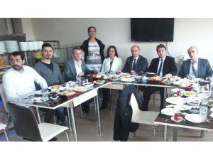 Kent Konseyinden İlçe Protokolüne Kahvaltı