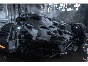 Batman'ın 2 milyon dolarlık aracını sigortaladı