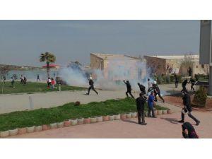 Terör Örgütü PKK Lehine Slogan Atan Öğrencilere Gazlı Müdahale