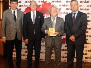 """Eski TBMM Başkanı Cemil Çiçek: """"Birlik Ve Beraberliğinizi Siyasetçilere Bırakmayın"""""""