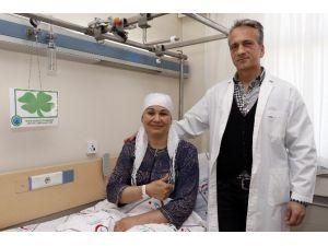Tedavisi İçin 3 Uçakla 5 Bin 215 Km Yol Kat Edip Antalya'ya Geldi