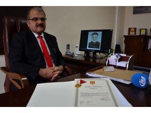 Dedesinin İstiklal Madalyasını 110 Sene Sonra Torunu Teslim Aldı