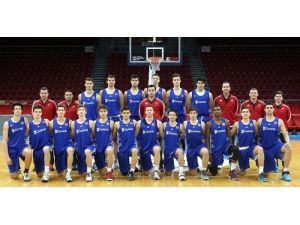 Basketbol Genç Erkek Milli Takım hazırlıklarını sürdürüyor