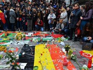Belçika terör saldırılarında ölenlerin yasını tutuyor