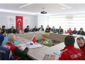 Türkiye Güreş Federasyonu olimpiyat kurulu toplantısı yapıldı