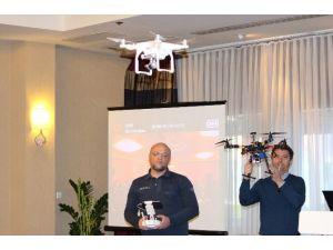 Dünyada İlk Kez Drone'lar Üzerinden Akademik Sunum Gerçekleştirildi