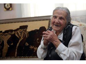 Asırlık Çınar Atatürk'e Verdiği Sözü Tuttu