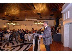Üsküdar Belediyesi, Emekli Personelini Yemekte Ağırladı