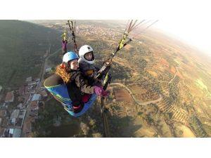 Çınaroaba'da Yamaç Paraşütü Sporuna Başlandı