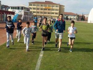Nevşehirli Atletler Konya Yolcusu
