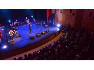 İhtiyaç Sahibi Öğrenciler İçin Konser