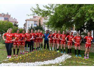 Muratpaşa'da Hedef Türkiye Kupası