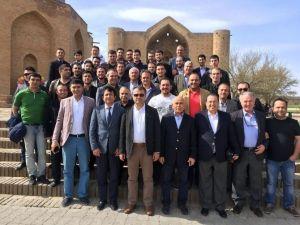 Ahmet Yesevi Üniversitesi Mezunları Türkistan'da Buluştu