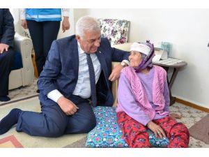 Başkan Gürün Yaşlıları Yalnız Bırakmadı