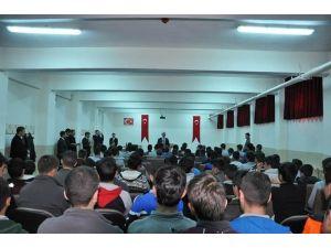Vali Yavuz'dan Öğrencilere Tavsiyeler