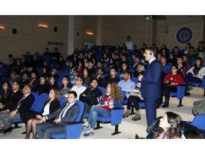 """Uşak Üniversitesi'nde """"Sektörden Pr Yansımaları-ıı"""" Etkinliği"""