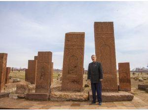 ASİMDER Temsilcisi Ermiş'in Ahlat Ziyareti