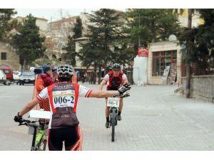 Uluslararası Kapadokya Bisikletle Oryantiring Yarışları Başladı