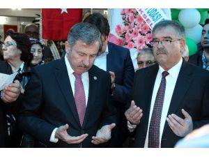 """AK Partili Özdağ: """"Evlerde Üzüm Hoşafı Tüketelim"""""""