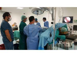 Viranşehir'de ilk defa endovizyon sistemi ile ameliyat yapıldı