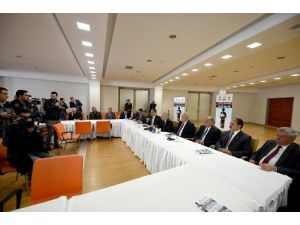 """""""44 Günde 44 Tır Yardım Kampanyası"""" İçin Basın Toplantısı Düzenlendi"""