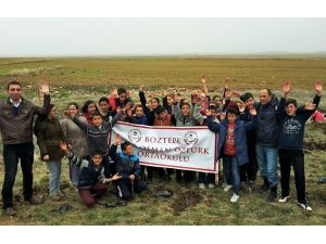 Kırşehirli öğrenciler, 36 Boztepeli şehit için 36 fidan dikti