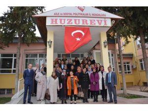 Kadın Kültür Merkezi'nden Huzurevine Ziyaret