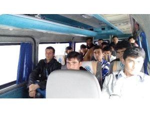 Çanakkale'de 18 Afgan Kaçak İşçi Yakalandı