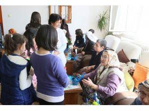 Sevgi Evi Sakinleri Yaşlılarla Buluştu