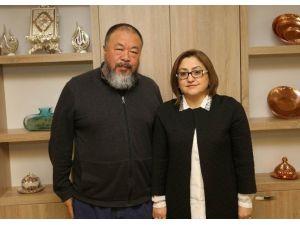 Ünlü Çinli Yönetmen, Suriyeli Göçmenlerin Filmini Çekecek