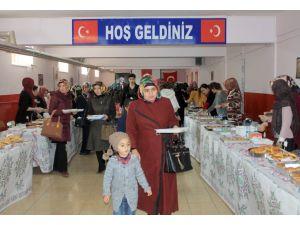 İlkokulun düzenlediği kermesin geliri şehit ailelerine bağışlandı