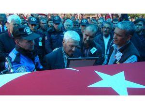 Şehit polis Koç, tekbirlerle son yolculuğuna uğurlandı