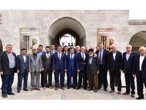 Cumhurbaşkanı Erdoğan'ın Başdanışmanı Topçu, Silahtar Mustafa Paşa Kervansarayı'nı Gezdi