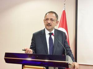 Özhaseki: HDP'li belediyeler yıkmak için çalışıyor