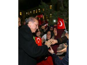 Erdoğan, Yozgat Anadolu Kız İmam Hatip Lisesi'ni ziyaret etti
